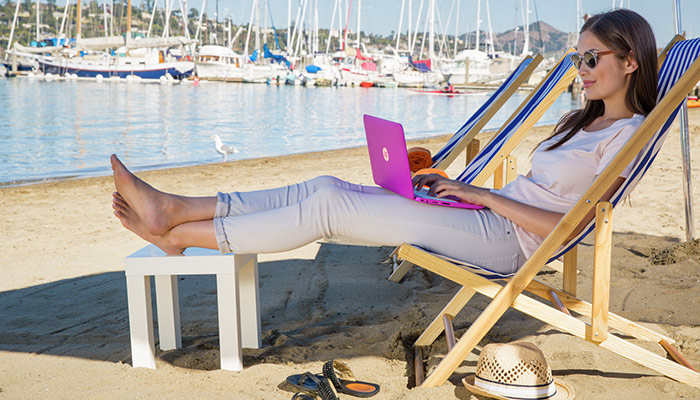 Hot desking in paradise: Is it all it's cracked up to be? (Desktop)